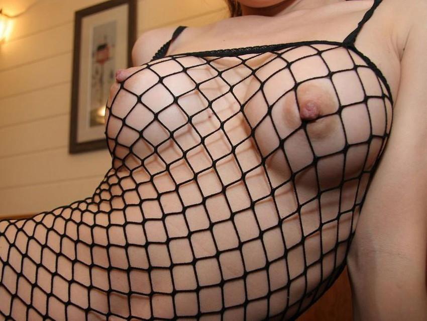 【全身網タイツエロ画像】全身網タイツで乳肉や乳首が食い込みハミ出しまくってる全身網タイツのエロ画像集!ww【80枚】