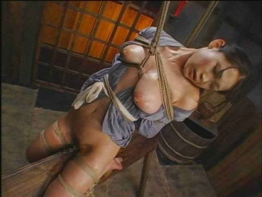【三角木馬エロ画像】全裸女子を古の拷問器具である三角木馬に跨がらせて股裂け調教してる三角木馬のエロ画像集!ww【80枚】 24