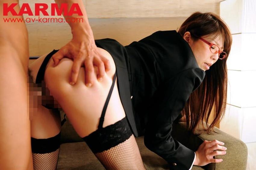 【ガーターベルトエロ画像】美尻と美脚を際立たせる痴女お姉さんのマストアイテムであるガーターベルトのエロ画像集!ww【80枚】 20