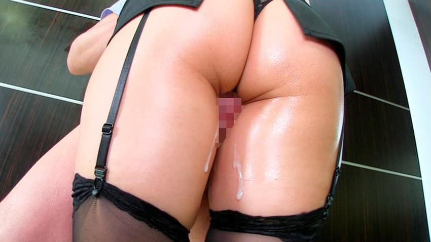 【ガーターベルトエロ画像】美尻と美脚を際立たせる痴女お姉さんのマストアイテムであるガーターベルトのエロ画像集!ww【80枚】 75