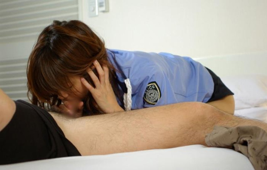 【婦人警官コスプレエロ画像】ミニスカポリスやパンチラ誘惑してくる変態婦警さんとコスプレセックスしてる婦人警官コスプレのエロ画像集!ww【80枚】 18