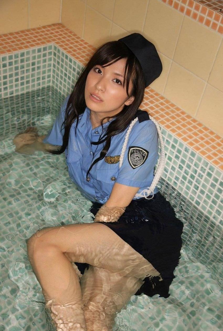 【婦人警官コスプレエロ画像】ミニスカポリスやパンチラ誘惑してくる変態婦警さんとコスプレセックスしてる婦人警官コスプレのエロ画像集!ww【80枚】 32