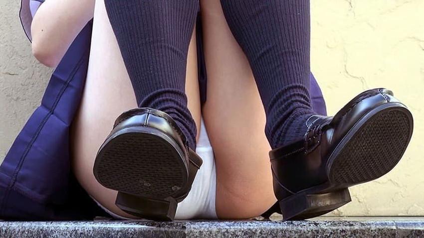 【JKパンチラエロ画像】制服JKのパンチラが見られた日って一日幸せwwJKパンチラのエロ画像集!ww【80枚】 34