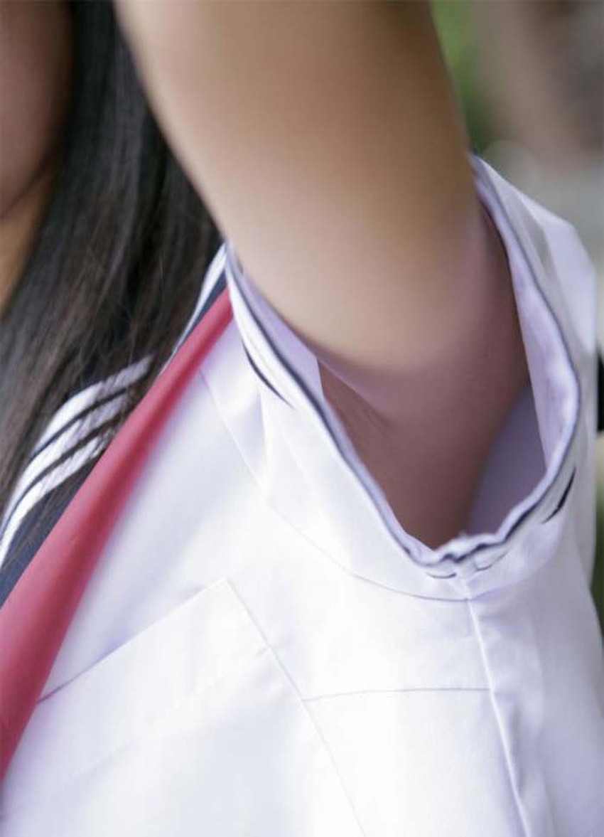 【脇の下アップエロ画像】S級美女の脇の下や剃り残しの脇毛が見える素人女子たちの脇の下アップのエロ画像集!w【80枚】 32