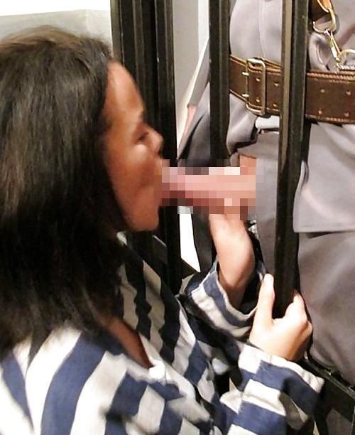 【女囚人エロ画像】シャバとちんこを求めて欲求不満痴女達がレズバトルしたりオナニーしまくる女囚人のエロ画像集ww【88枚】 07