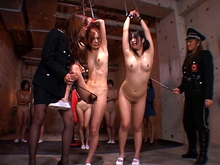 【女囚人エロ画像】シャバとちんこを求めて欲求不満痴女達がレズバトルしたりオナニーしまくる女囚人のエロ画像集ww【88枚】 10