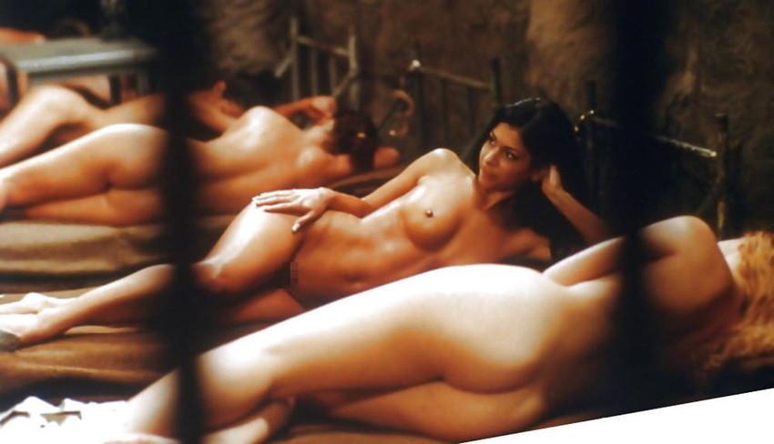 【女囚人エロ画像】シャバとちんこを求めて欲求不満痴女達がレズバトルしたりオナニーしまくる女囚人のエロ画像集ww【88枚】 31