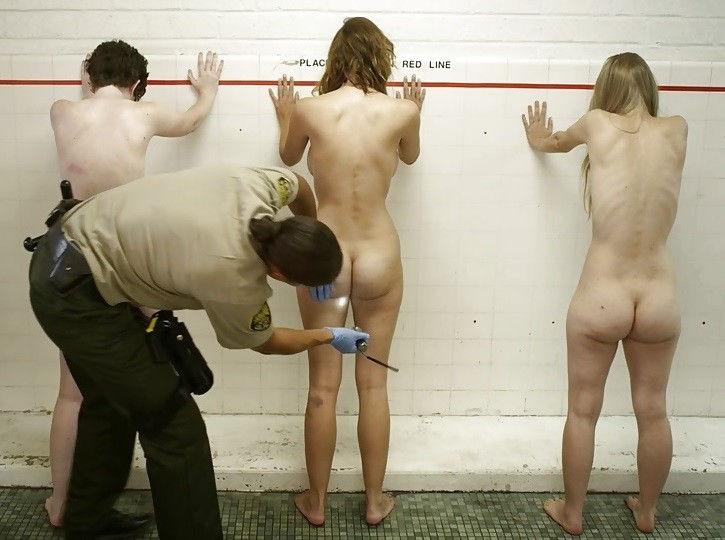【女囚人エロ画像】シャバとちんこを求めて欲求不満痴女達がレズバトルしたりオナニーしまくる女囚人のエロ画像集ww【88枚】 36