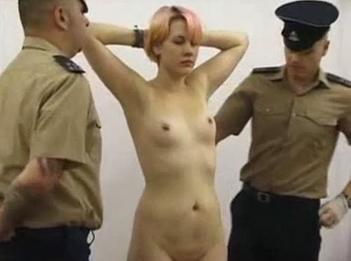 【女囚人エロ画像】シャバとちんこを求めて欲求不満痴女達がレズバトルしたりオナニーしまくる女囚人のエロ画像集ww【88枚】 58