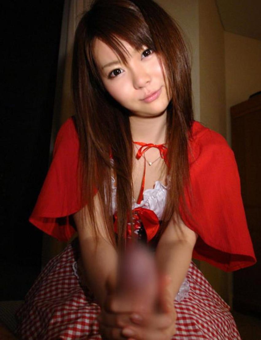 【手コキエロ画像】美女の顔を眺めながらのご奉仕手コキや人妻の経験豊富なセンズリテクが最高過ぎる手コキのエロ画像集!ww【80枚】 35