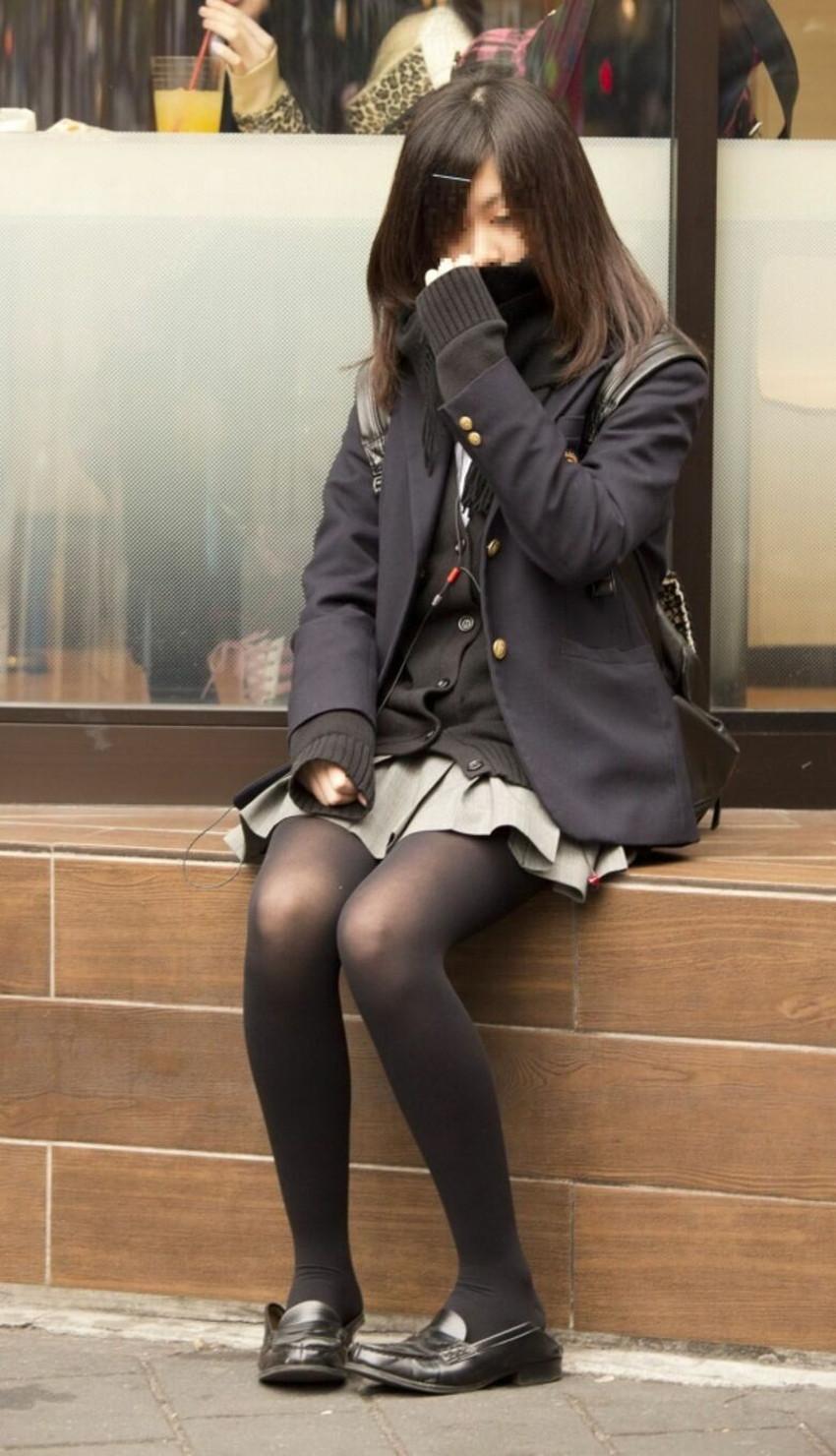 【黒タイツJKエロ画像】秋冬は黒タイツJKのストッキング越しパンチラを拝むに限る!黒タイツJKのエロ画像集w【80枚】 62