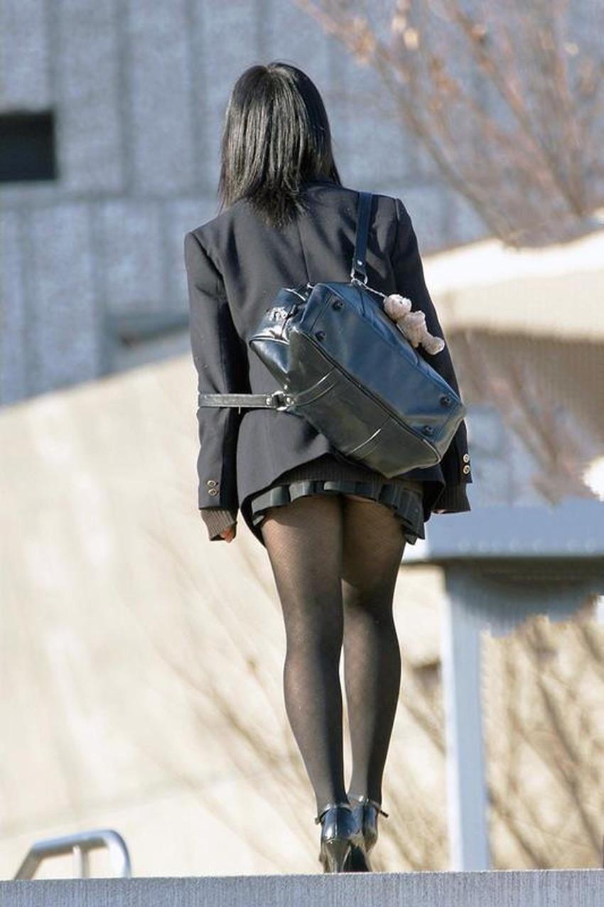 【黒タイツJKエロ画像】秋冬は黒タイツJKのストッキング越しパンチラを拝むに限る!黒タイツJKのエロ画像集w【80枚】 65