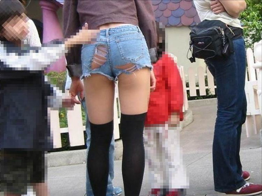 【ダメージジーンズエロ画像】ダメージすご過ぎて素人娘のパンティーが見えちゃってるダメージジーンズのエロ画像集!ww【80枚】 12