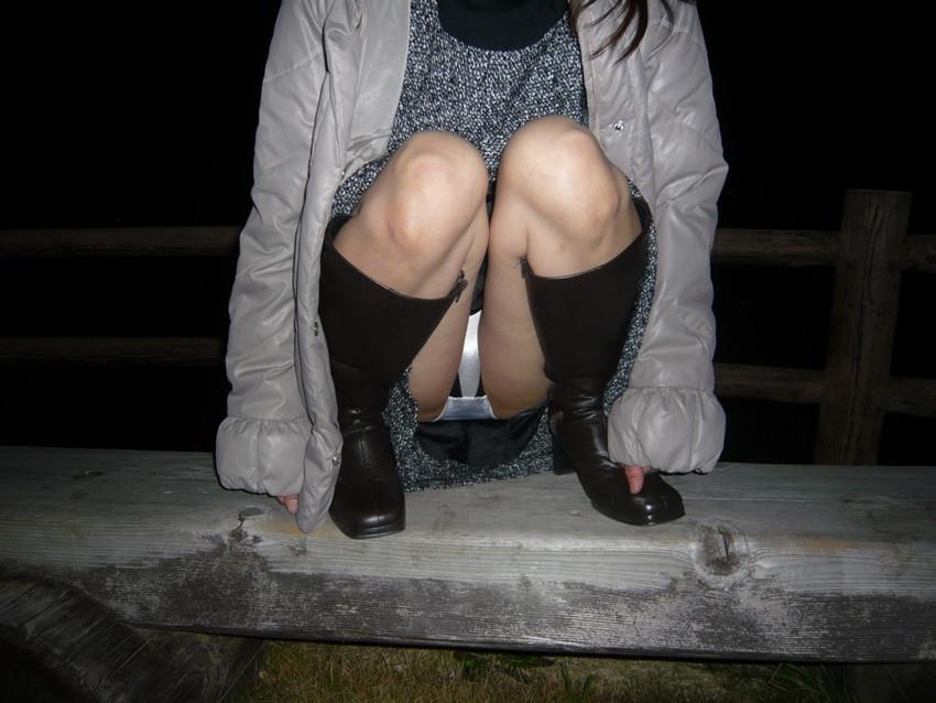 【うんこ座りパンチラエロ画像】無防備な制服JKやスカートのお嬢さんがうんこ座りでモリマンパンチラしてるところを盗撮したったうんこ座りパンチラのエロ画像集!ww【80枚】 12