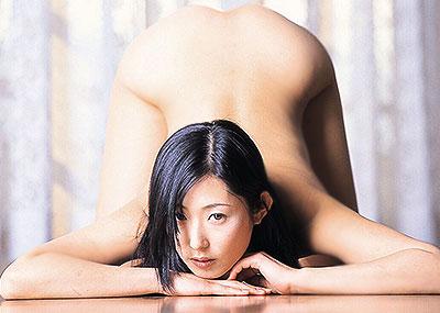 【お尻を突き上げるエロ画像】美少女やS級お姉さんが美尻をプリっと突き上げてバックでおねだりしているお尻を突き上げるエロ画像集!ww【80枚】