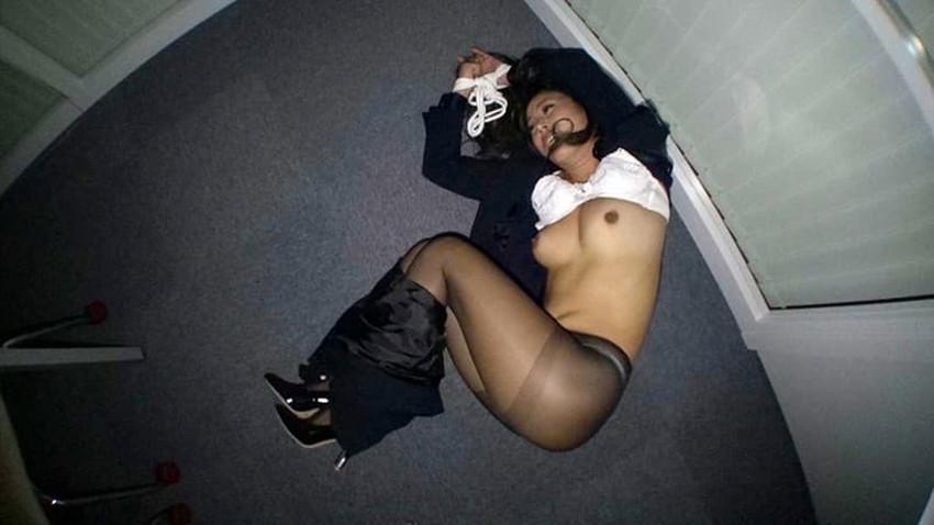 【パンツスーツコスプレエロ画像】仕事デキそうなパンツスーツOLはセックスも上手!パンツスーツ破られ着衣セックスしてるパンツスーツコスプレのエロ画像集w【80枚】 21