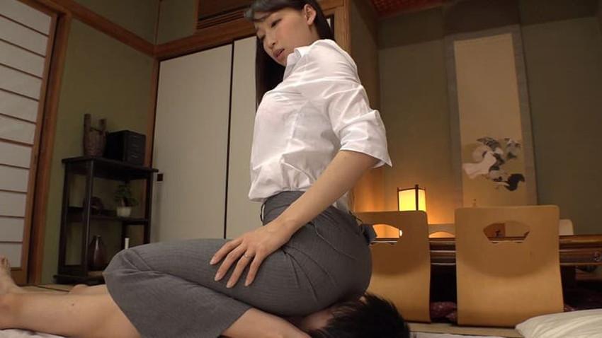 【パンツスーツコスプレエロ画像】仕事デキそうなパンツスーツOLはセックスも上手!パンツスーツ破られ着衣セックスしてるパンツスーツコスプレのエロ画像集w【80枚】 43