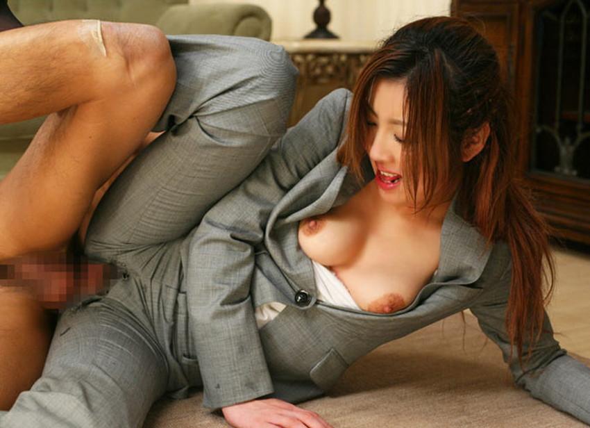 【パンツスーツコスプレエロ画像】仕事デキそうなパンツスーツOLはセックスも上手!パンツスーツ破られ着衣セックスしてるパンツスーツコスプレのエロ画像集w【80枚】 44