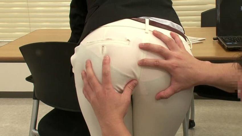 【パンツスーツコスプレエロ画像】仕事デキそうなパンツスーツOLはセックスも上手!パンツスーツ破られ着衣セックスしてるパンツスーツコスプレのエロ画像集w【80枚】 60