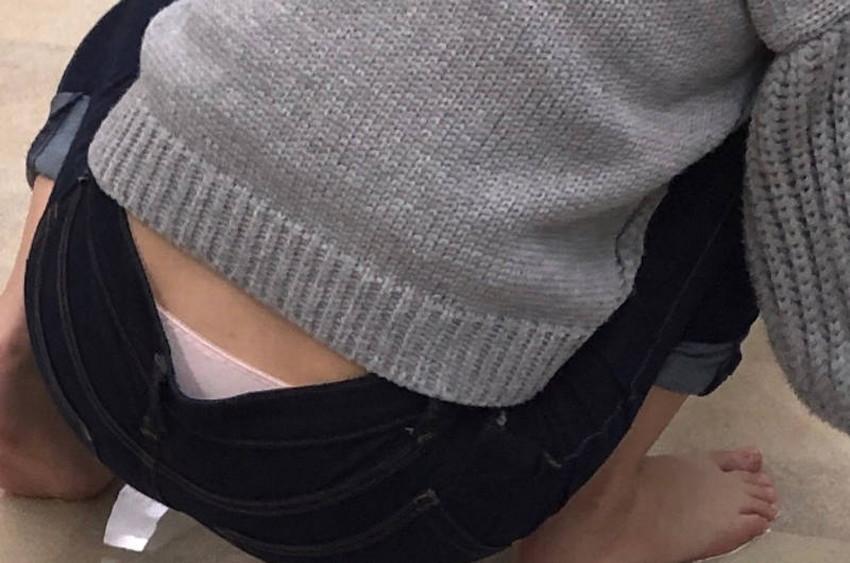 【スキニーパンツエロ画像】スキニーパンツの美脚な素人女子が、パツパツの美尻やパンティーラインを見せつけてくれてスキニーパンツのエロ画像集!ww【80枚】 02