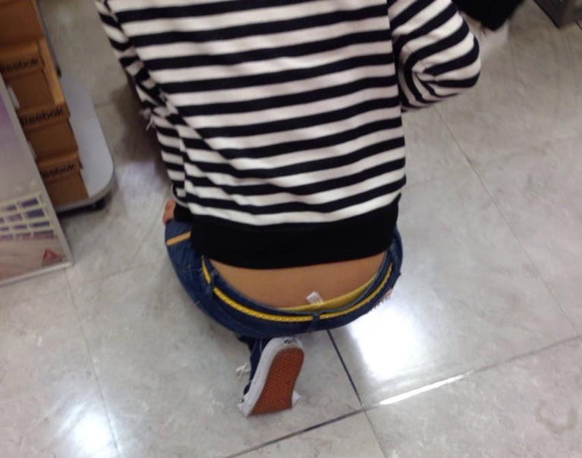 【スキニーパンツエロ画像】スキニーパンツの美脚な素人女子が、パツパツの美尻やパンティーラインを見せつけてくれてスキニーパンツのエロ画像集!ww【80枚】 24