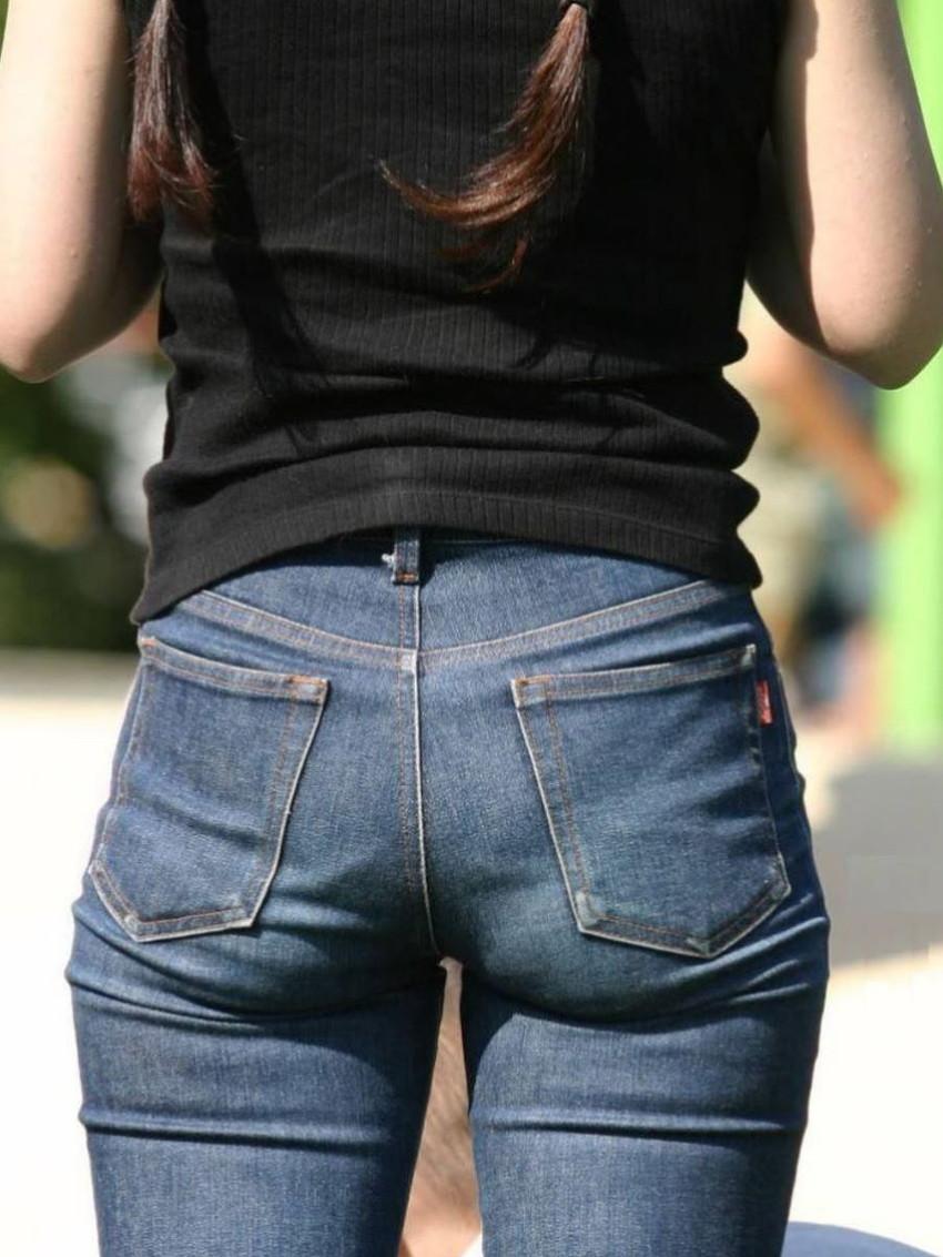 【スキニーパンツエロ画像】スキニーパンツの美脚な素人女子が、パツパツの美尻やパンティーラインを見せつけてくれてスキニーパンツのエロ画像集!ww【80枚】 47