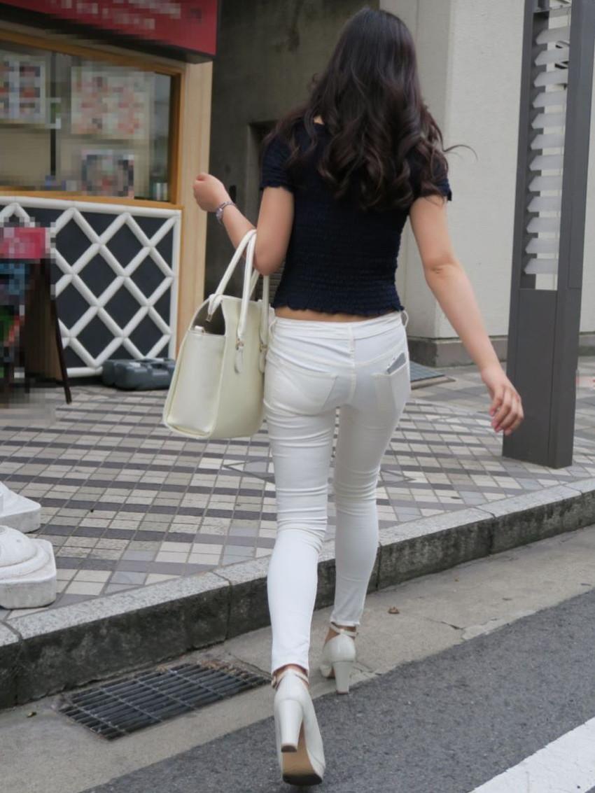【スキニーパンツエロ画像】スキニーパンツの美脚な素人女子が、パツパツの美尻やパンティーラインを見せつけてくれてスキニーパンツのエロ画像集!ww【80枚】 58