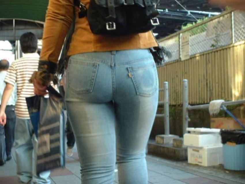 【スキニーパンツエロ画像】スキニーパンツの美脚な素人女子が、パツパツの美尻やパンティーラインを見せつけてくれてスキニーパンツのエロ画像集!ww【80枚】 70