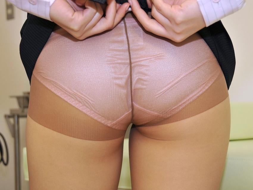 【ベージュストッキングエロ画像】スカートめくってパンティーや陰毛が透け透けになってるベージュストッキングのエロ画像集w【80枚】 21