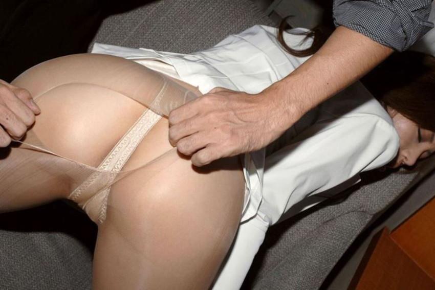 【ベージュストッキングエロ画像】スカートめくってパンティーや陰毛が透け透けになってるベージュストッキングのエロ画像集w【80枚】 22