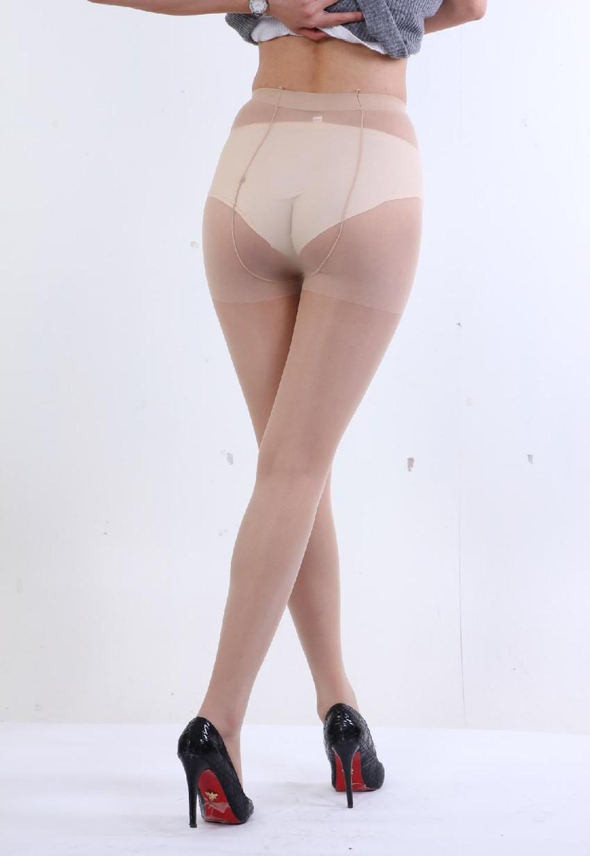 【ベージュストッキングエロ画像】スカートめくってパンティーや陰毛が透け透けになってるベージュストッキングのエロ画像集w【80枚】 47