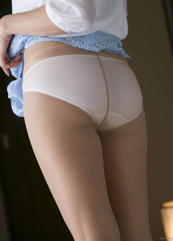【ベージュストッキングエロ画像】スカートめくってパンティーや陰毛が透け透けになってるベージュストッキングのエロ画像集w【80枚】 50