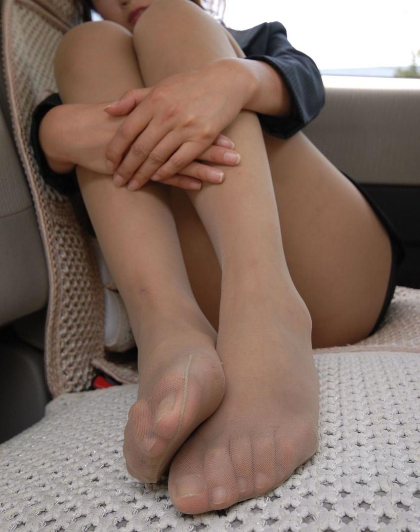 【ベージュストッキングエロ画像】スカートめくってパンティーや陰毛が透け透けになってるベージュストッキングのエロ画像集w【80枚】 70