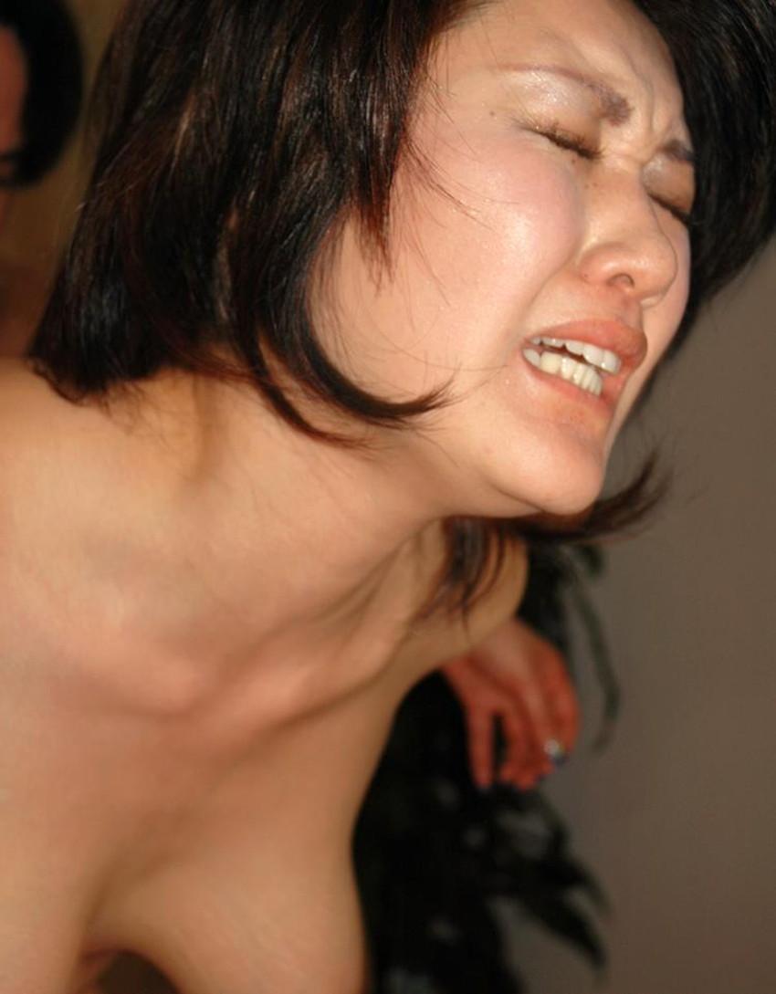 【巨乳人妻エロ画像】夫がいるとわかっていながらだらしない他人の奥さんの巨乳に興奮して不倫セックスしまくる巨乳人妻のエロ画像集!ww【80枚】 08