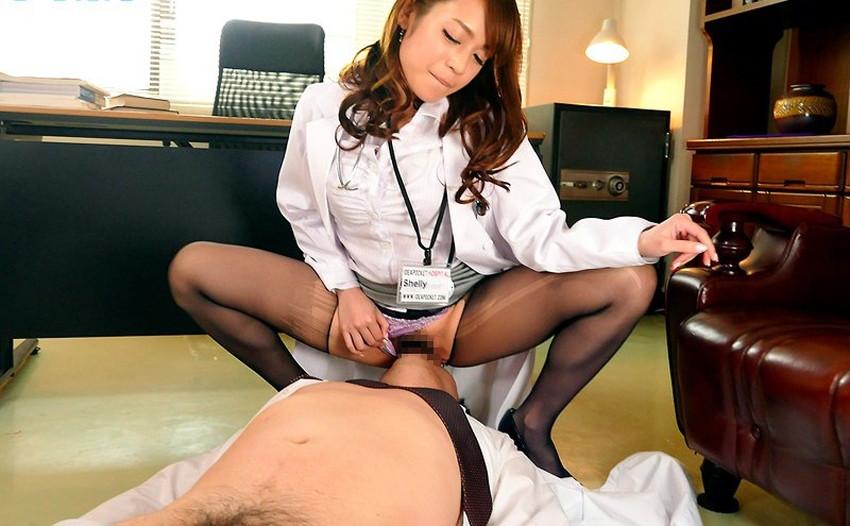 【女医コスプレエロ画像】ビッチな女ドクターがガーターベルトを見せつけながらセックス治療してくれてる女医コスプレのエロ画像集!ww【80枚】 04