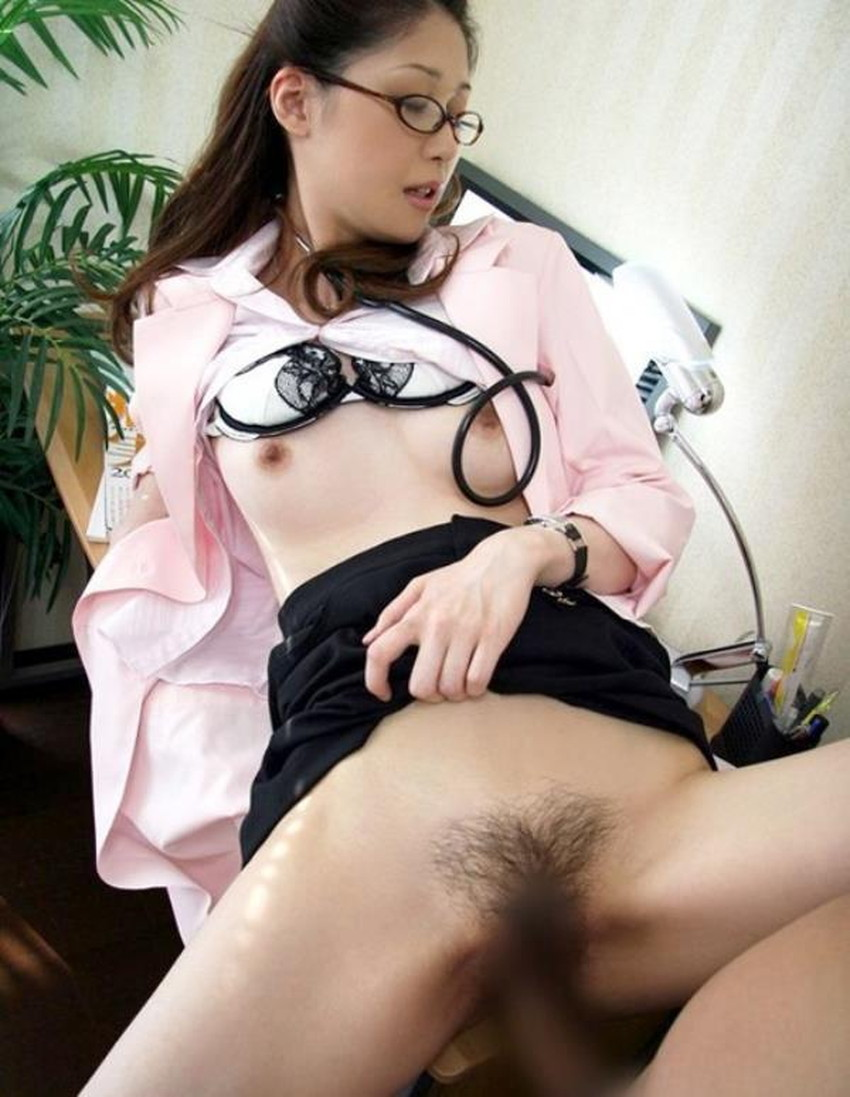 【女医コスプレエロ画像】ビッチな女ドクターがガーターベルトを見せつけながらセックス治療してくれてる女医コスプレのエロ画像集!ww【80枚】 53