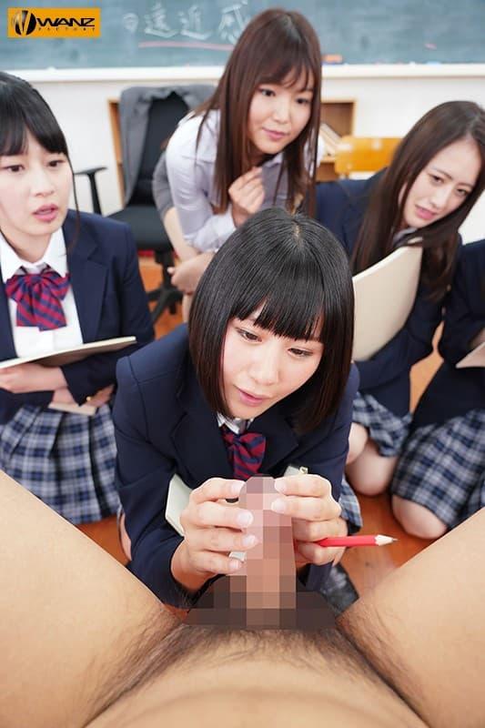 【教室エロ画像】授業そっちのけでHに興味津々なJKや痴女の女教師と乱交しまくった教室エロ画像集ww 60