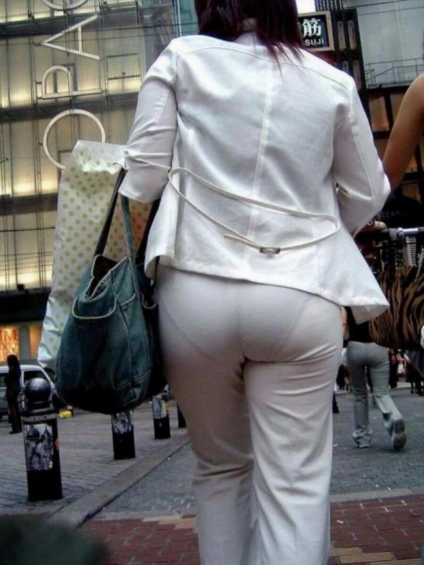 【パン線エロ画像】街中で素人女子のパン線探しちゃう男子必見!素人娘のタイトスカートやスキニーパンツからパンティーラインが丸見えのパン線エロ画像集ww【80枚】 22