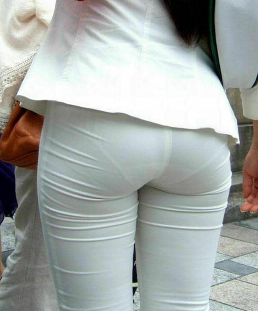 【パン線エロ画像】街中で素人女子のパン線探しちゃう男子必見!素人娘のタイトスカートやスキニーパンツからパンティーラインが丸見えのパン線エロ画像集ww【80枚】 32