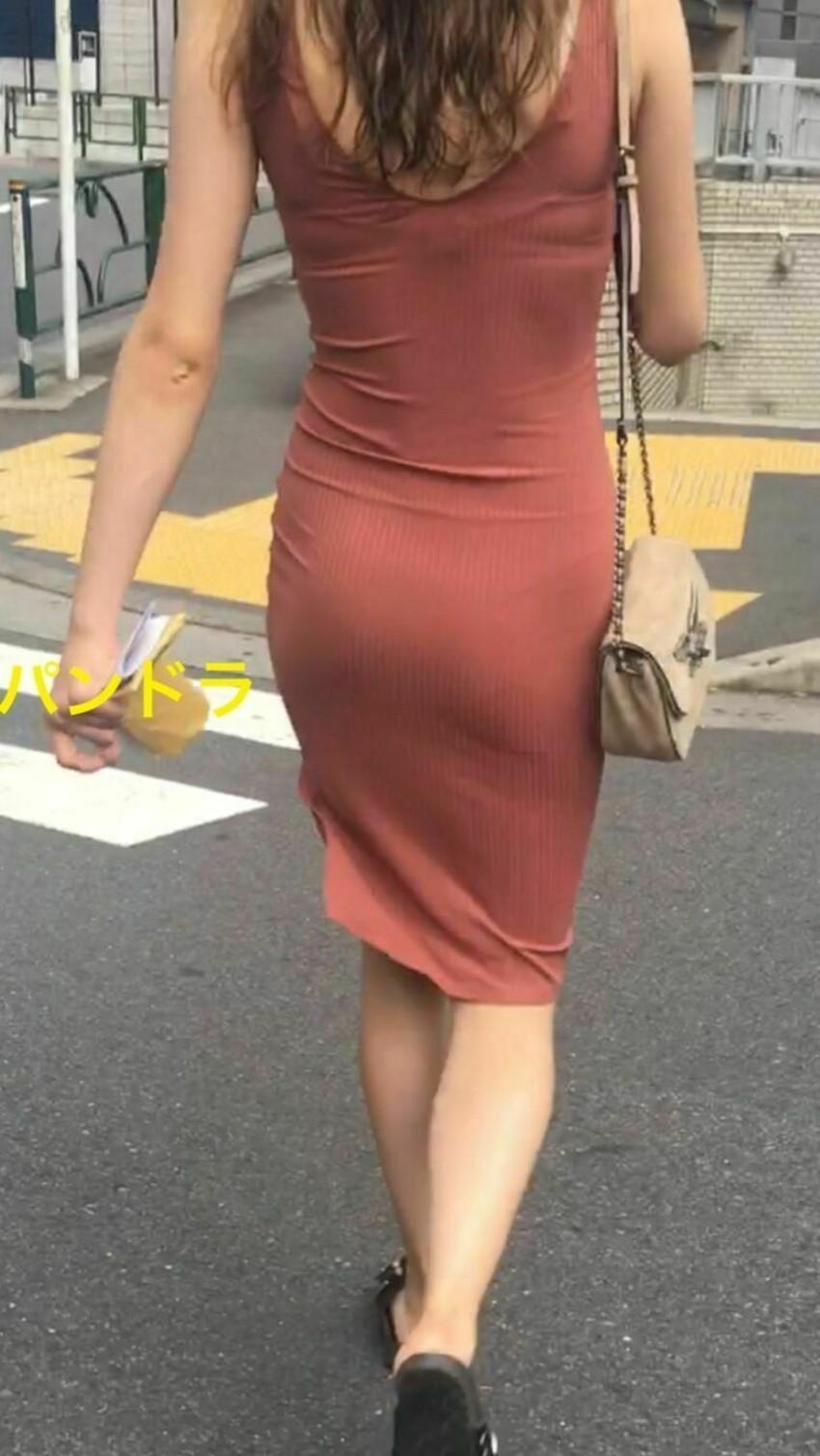 【パン線エロ画像】街中で素人女子のパン線探しちゃう男子必見!素人娘のタイトスカートやスキニーパンツからパンティーラインが丸見えのパン線エロ画像集ww【80枚】 41