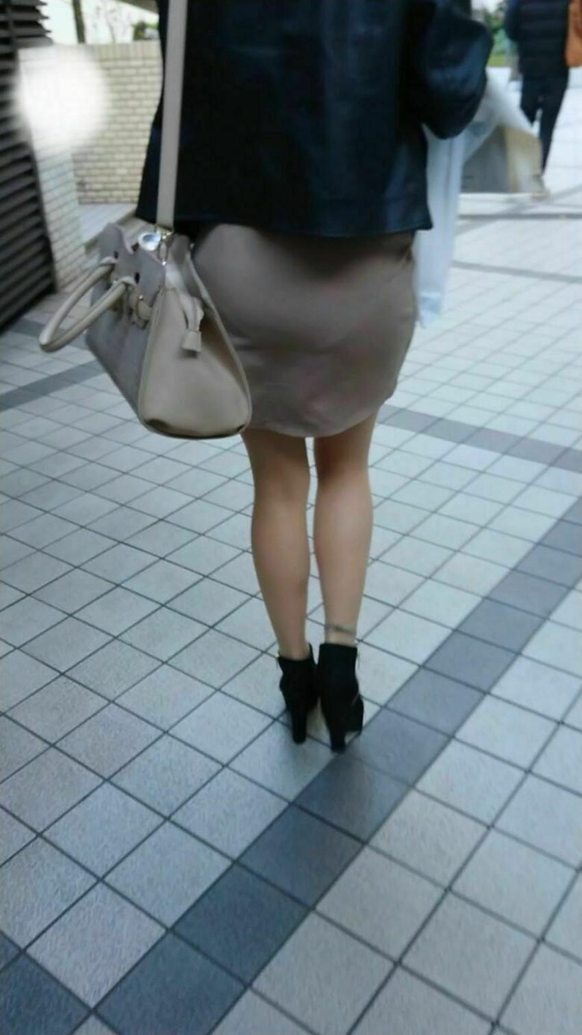 【パン線エロ画像】街中で素人女子のパン線探しちゃう男子必見!素人娘のタイトスカートやスキニーパンツからパンティーラインが丸見えのパン線エロ画像集ww【80枚】 52