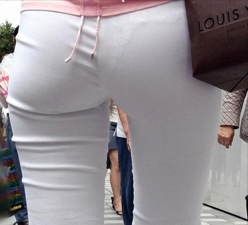 【パン線エロ画像】街中で素人女子のパン線探しちゃう男子必見!素人娘のタイトスカートやスキニーパンツからパンティーラインが丸見えのパン線エロ画像集ww【80枚】 61