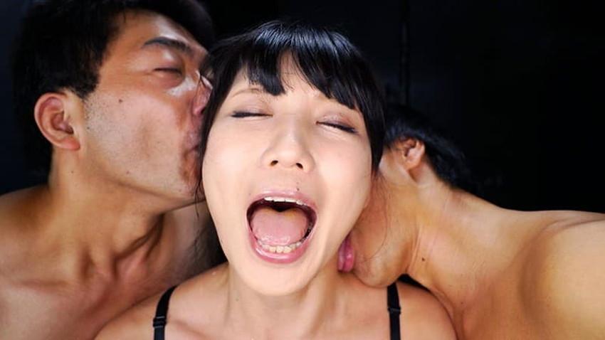 【耳舐めエロ画像】美女の美耳をペロペロ舐めて責めたり痴女が耳フェラをしてくれてる耳舐めのエロ画像集!ww【80枚】 53
