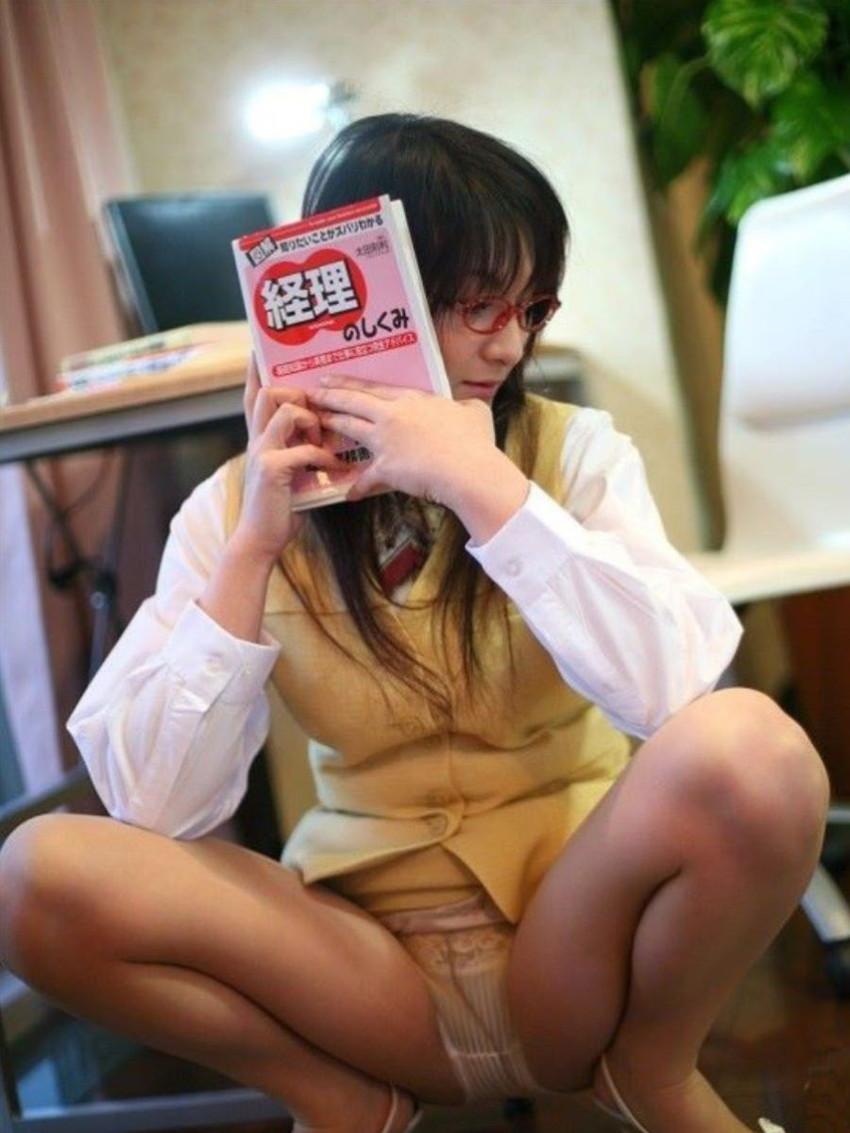 【パンスト開脚エロ画像】パンスト娘がムレムレの股間を見せつけ顔面突っ込ませてくれそうなパンスト開脚のエロ画像集!ww【80枚】 28