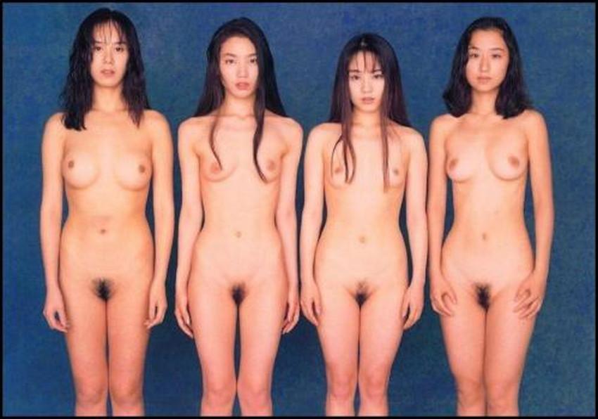 【集団ヌードエロ画像】ハーレムセックスしたくなる大量の美女達が全裸で誘惑してくれてる集団ヌードのエロ画像集!ww【80枚】 15