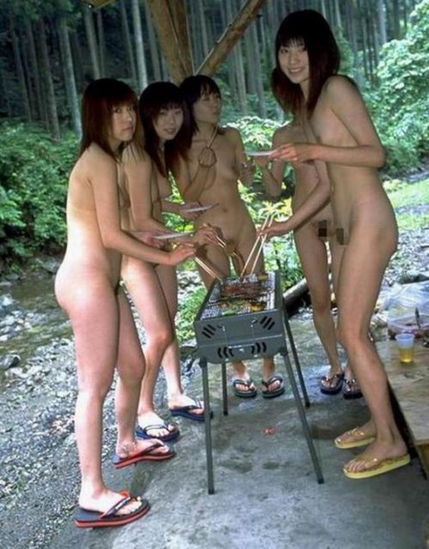 【集団ヌードエロ画像】ハーレムセックスしたくなる大量の美女達が全裸で誘惑してくれてる集団ヌードのエロ画像集!ww【80枚】 25
