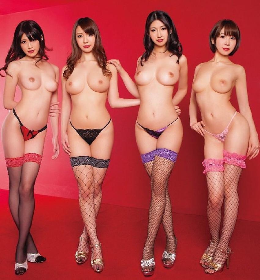 【集団ヌードエロ画像】ハーレムセックスしたくなる大量の美女達が全裸で誘惑してくれてる集団ヌードのエロ画像集!ww【80枚】 41