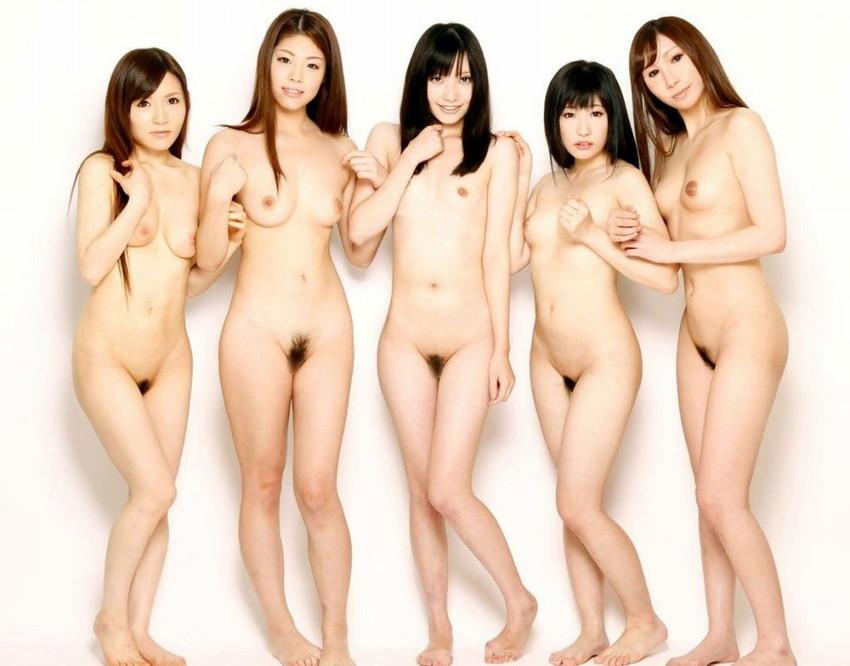 【集団ヌードエロ画像】ハーレムセックスしたくなる大量の美女達が全裸で誘惑してくれてる集団ヌードのエロ画像集!ww【80枚】 43