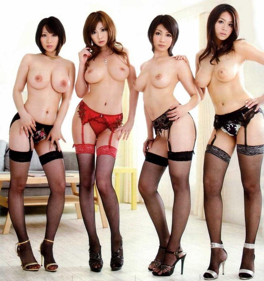 【集団ヌードエロ画像】ハーレムセックスしたくなる大量の美女達が全裸で誘惑してくれてる集団ヌードのエロ画像集!ww【80枚】 47