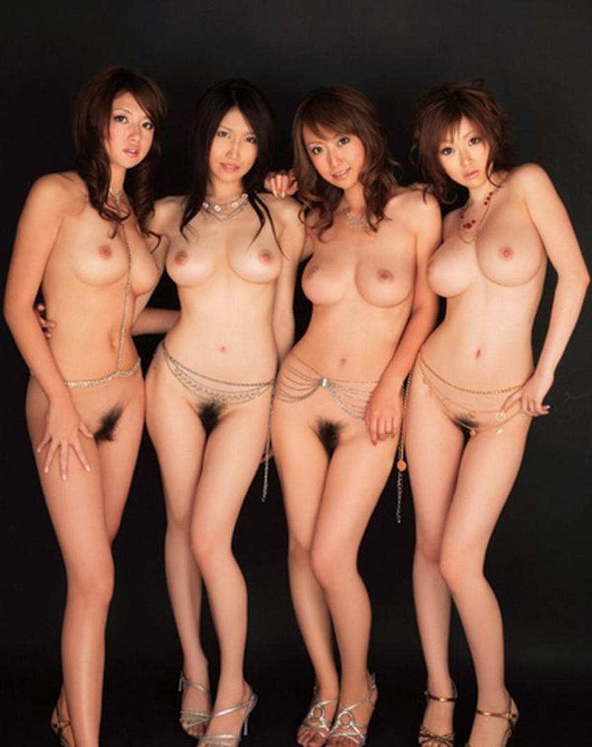 【集団ヌードエロ画像】ハーレムセックスしたくなる大量の美女達が全裸で誘惑してくれてる集団ヌードのエロ画像集!ww【80枚】 58